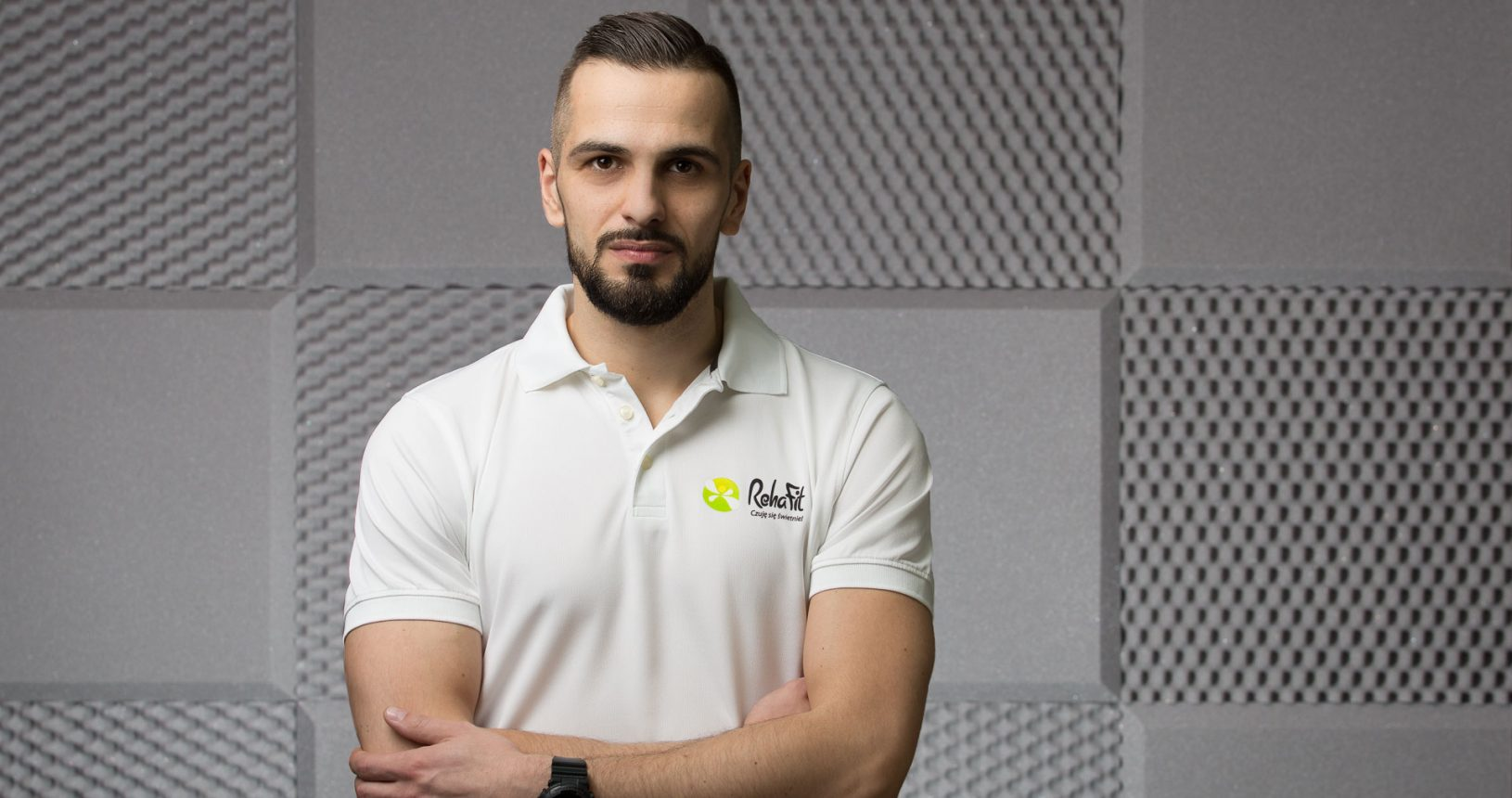 Marcin Kosowski - właściciel, fizjoterapeuta, terapeuta manualna w centrum rehabilitacji i masażu RehaFit.