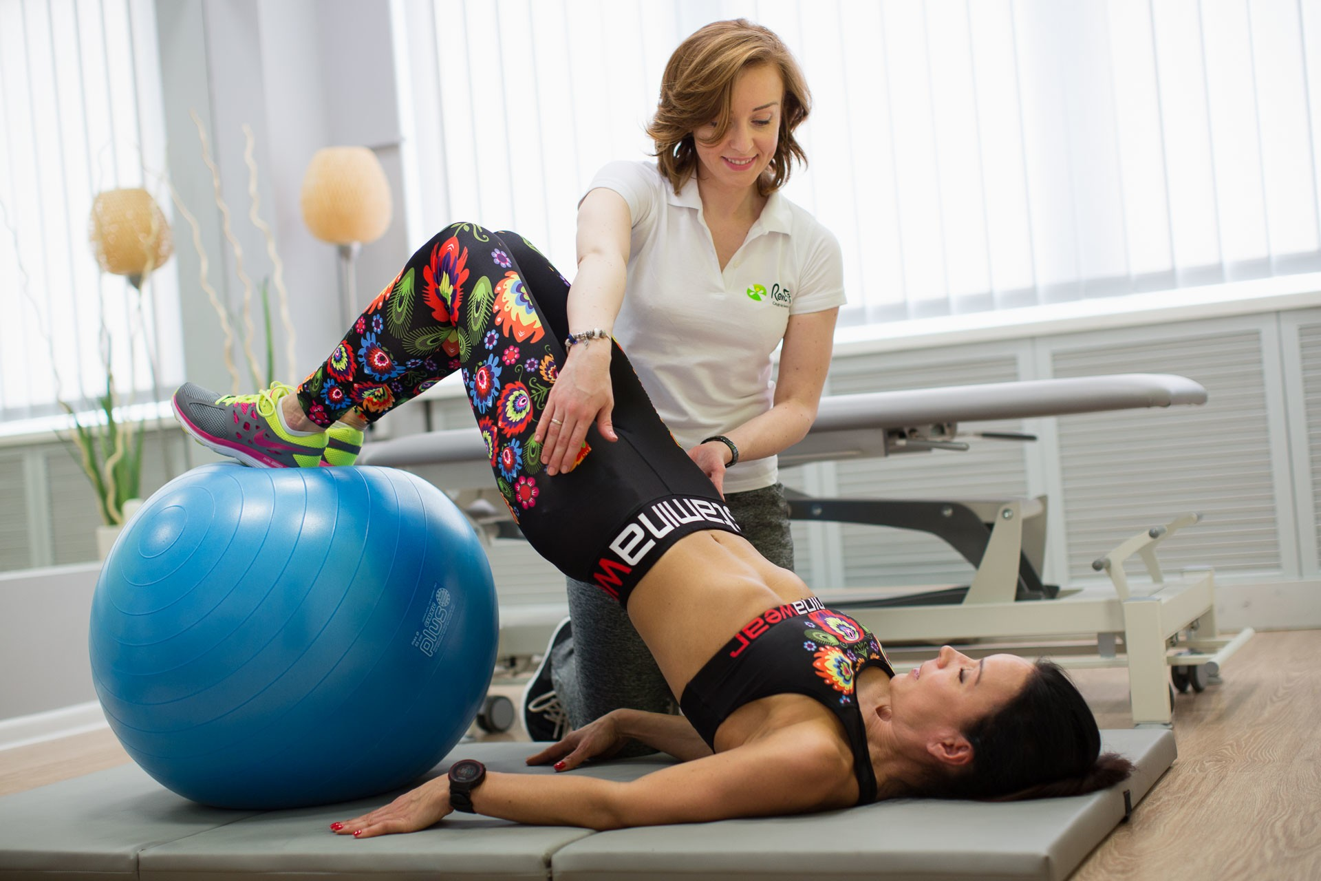 Ćwiczenia stabilizujące to nieodzowna część prawidłowo prowadzonej rehabilitacji kręgosłupa.