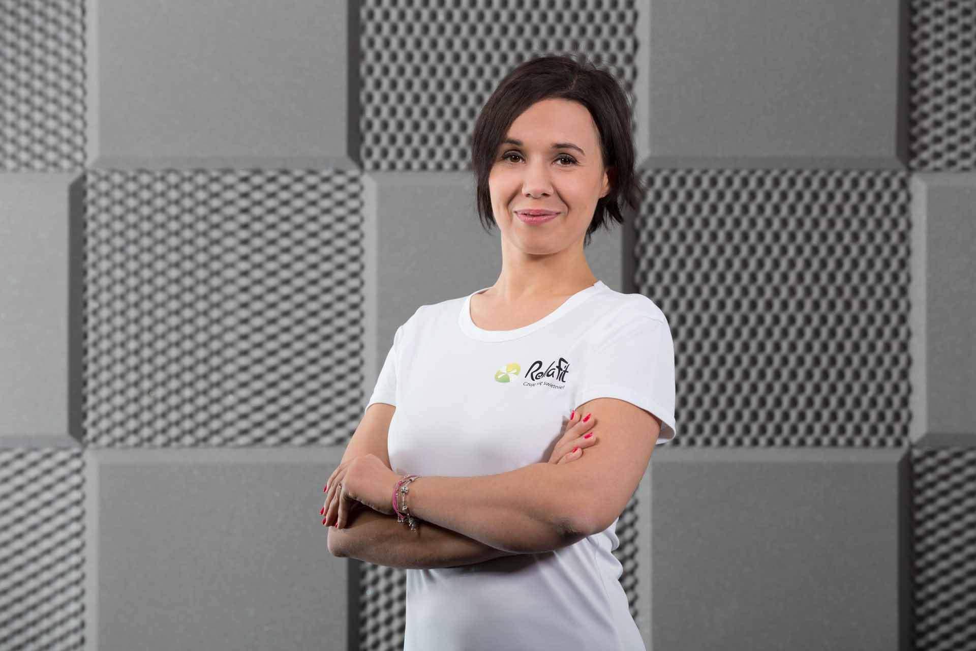 Fizjoterapeutka Joanna Kmieć-Nowakowska specjalizująca się w rehabilitacji kobiet w ciąży i po porodzie z centrum RehaFit.