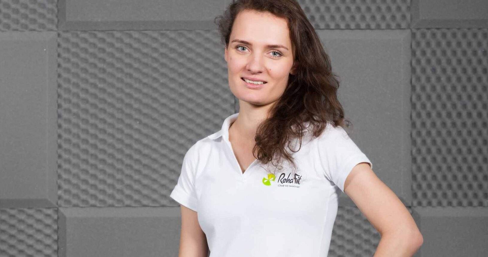 Fizjoterapeutka Lucyna Ptaszkowska z centrum RehaFit we Wrocławiu specjalizująca się w rehabilitacji uroginekologicznej.