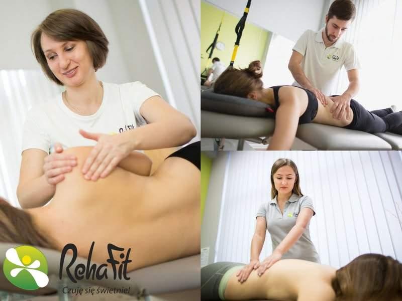 Fizjoterapeuci podczas wykonywania masażu leczniczego. Doświadczeni masażyści.