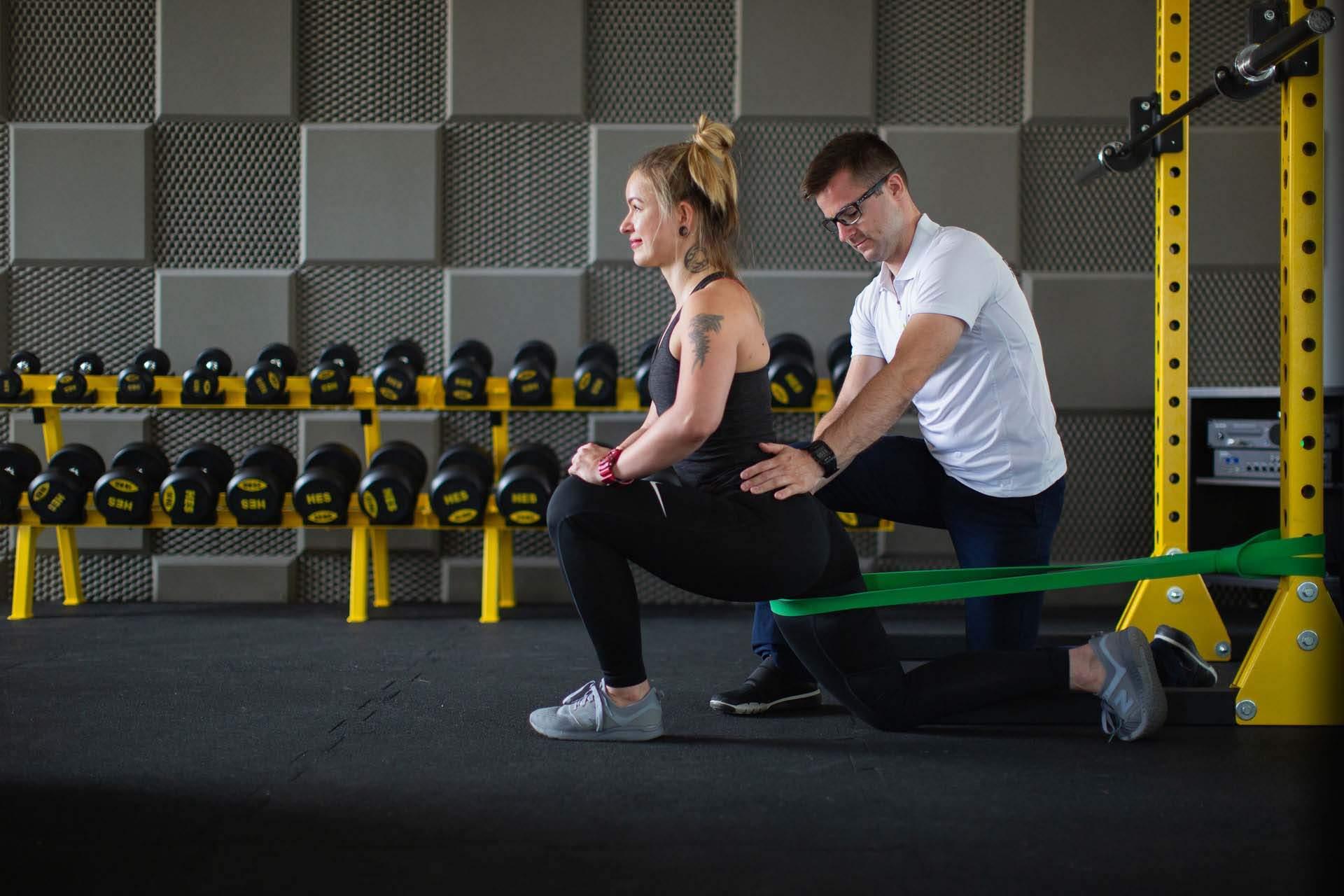 Medyczny trening rehabilitacyjny jest doskonałym uzupełnieniem kompleksowej fizjoterapii.