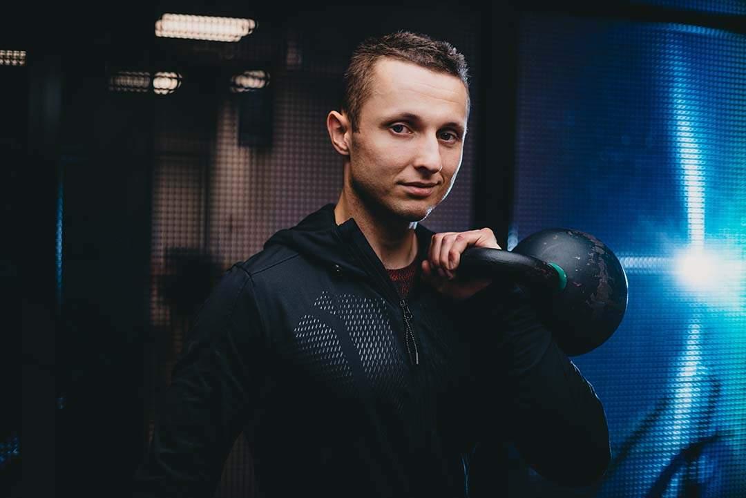 Trener personalny Michał Jasiński- profesjonalizm i zaangażowanie